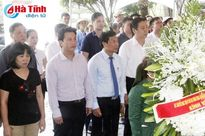 Bộ trưởng VHTT&DL Nguyễn Ngọc Thiện dâng hương tại Ngã ba Đồng Lộc