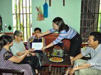 Ngân hàng Nhà nước: Trao quà cho 40 gia đình chính sách