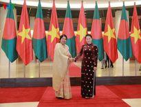 Chủ tịch Quốc hội hội đàm với Chủ tịch Quốc hội Bangladesh