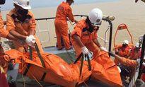 Thợ lặn dừng tìm kiếm thuyền viên tàu chìm ở Nghệ An