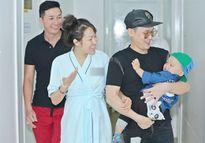 Con trai cùng bạn bè mừng Phi Thanh Vân xuất viện sau ca đại phẫu