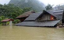 Yên Bái: Nhà ngập đến nóc, đường sá sạt lở nặng