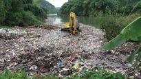 Hà Giang: Điều tra vụ dùng máy xúc 'phi tang' rác xuống suối