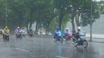 Áp thấp nhiệt đới mạnh lên, nhiều nơi mưa dông tố lốc