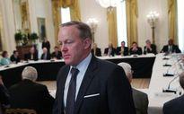 """Sau khi từ chức, cựu phát ngôn nhân Nhà Trắng Spicer: """"Tôi không hối hận"""""""