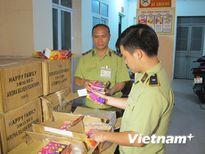 Hà Nội: Bắt giữ gần 2 tấn pháo hoa điện nhập lậu tại cầu Vĩnh Tuy