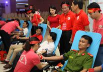 Nghệ An: Hơn 2.000 người tham gia ngày hội 'Giọt hồng xứ Nghệ'