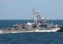 Tàu hải quân Mỹ bắn cảnh cáo tàu Iran