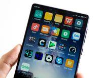 Cận cảnh smartphone Xiaomi Mi Mix