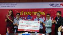 Người trúng Vietlott 132 tỉ đồng đã lãnh giải, làm từ thiện 1 tỉ