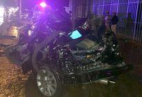 Ôtô Camry biển xanh bị xe tải tông, hai công an tử vong
