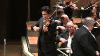 Nghệ sĩ violon Bùi Công Duy biểu diễn nhạc cổ điển Pháp