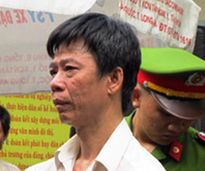 Vợ bị chồng thụ án 17 năm tù tội giết người đâm tử vong rồi tự tử
