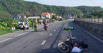 Quảng Ngãi: Xe 7 chỗ tông xe máy đi cả trăm mét, một phụ nữ tử vong