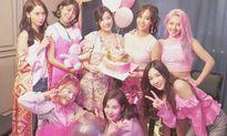 Sao Hàn 4/8: Tiffany đón sinh nhật thứ 10 cùng SNSD, Qri mặc quần tả tơi