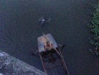 Hoảng hồn phát hiện thi thể nhiều vết thương nổi trên sông ở Hải Dương