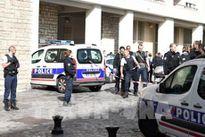 Vụ đâm xe vào binh sĩ Pháp: Đơn vị chống khủng bố mở cuộc điều tra