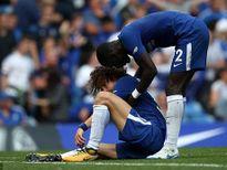 Chelsea thua sốc trước Burnley, Man City nhọc nhằn hạ tân binh