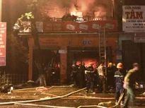 Cháy lớn tại cửa hàng thiết bị điện, nước ở Quảng Trị