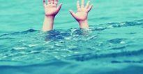 Anh em sinh đôi tắm suối bị chết đuối thương tâm
