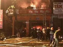 Cửa hàng điện nước bậc nhất thị xã Quảng Trị bốc cháy trong đêm