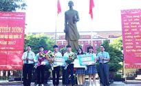Thừa Thiên-Huế tặng 60 triệu đồng cho học sinh đạt giải quốc tế