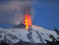 Phát hiện gần 100 núi lửa bên dưới Nam Cực