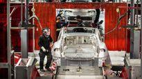Công nhân cảm thấy 'như địa ngục' vì tăng ca sản xuất Tesla Model 3