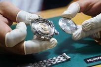 'Bổ' máy đồng hồ Omega James Bond super fake giá 4.000 USD