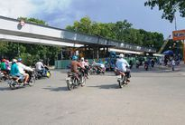 Đình chỉ thi công 2 tháng cầu vượt Nguyễn Thái Sơn - Nguyễn Kiệm