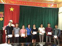 Công đoàn Y tế VN ủng hộ đoàn viên y tế huyện Mù Cang Chải