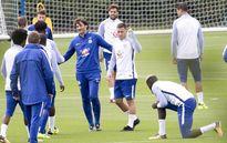 Eden Hazard trở lại đập tan bầu không khí u ám ở Chelsea