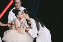 Diva Hồng Nhung 'làm nền' cho thí sinh nhí múa ballet