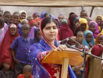 Cô gái từng hứng đạn của Taliban được nhận vào Đại học Oxford.