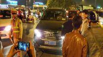 Xe văn phòng Bộ LĐTB-XH lại vi phạm Luật giao thông