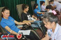 Cán bộ, đoàn viên TX. Kỳ Anh tình nguyện hiến 170 đơn vị máu