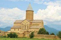 Những ngọn tháp cổ trên dãy Caucasu