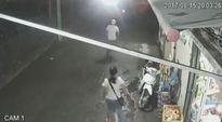 Thanh niên trộm xe bị cô gái phát hiện bỏ chạy trối chết