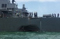 Hoảng hồn trước cú đâm khu trục hạm Mỹ tại Malacca (video)