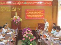 Nguyên Bộ trưởng Trương Đình Tuyển khuyên Kỳ Sơn phát triển cây, con giống bản địa