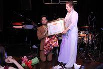 Ngọc Sơn được phong tặng 'Giáo sư âm nhạc': Mẹ ca sĩ nói gì?