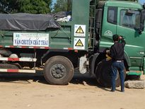 Bắt các đối tượng chống người thi hành công vụ ở bãi rác Hòn Rọ