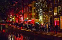 Bên trong 'phố đèn đỏ' đình đám nhất thế giới ở Amsterdam
