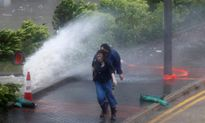 Cảnh báo nguy hiểm cơn bão số 6 đổ vào Hong Kong