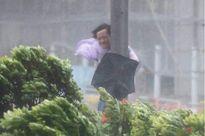 Siêu bão đổ bộ Hong Kong