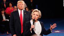 Bà Hillary kể lại cảm giác khi đứng gần ông Trump: Ông ấy 'khiến tôi nổi da gà'