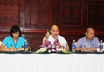 Ông Nguyễn Tử Quảng đã khóc khi chia sẻ với báo giới về Bphone