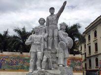 Chính phủ yêu cầu kiểm tra vụ 'đổ sập' tượng đài Chiến thắng