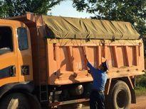 Xử lý nhiều trường hợp xe tải vi phạm trên đường mòn Hồ Chí Minh
