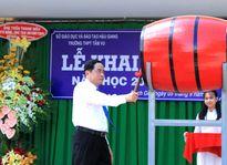 Chủ tịch Trần Thanh Mẫn dự khai giảng năm học mới tại Trường THPT Tầm Vu
